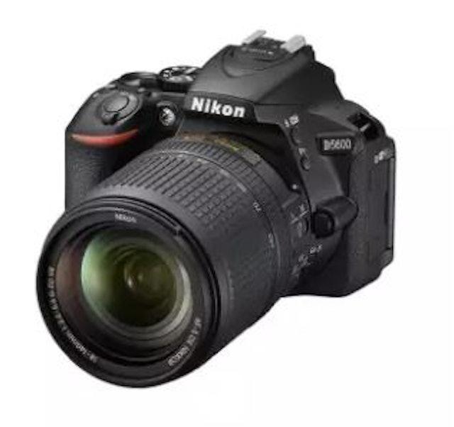 Nikon D5600 Kit 18-140 VR  1