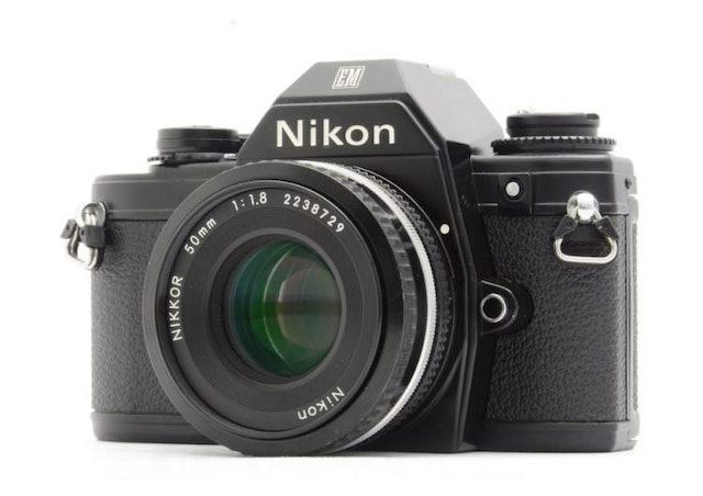 Nikon  EM 1