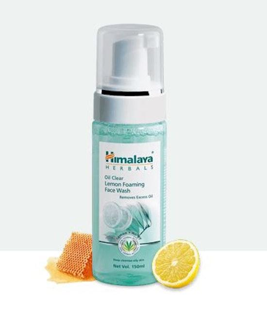 Himalaya Oil Clear Lemon Foaming Face Wash 1