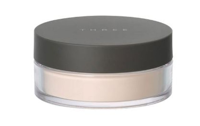 THREE Ultimate Diaphanous Loose Powder 1