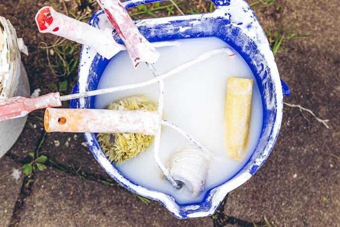 การทำความสะอาดลูกกลิ้งทาสี