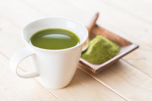 ชาเขียวมะลิพร้อมชงในรูปแบบผงหรือใบชา