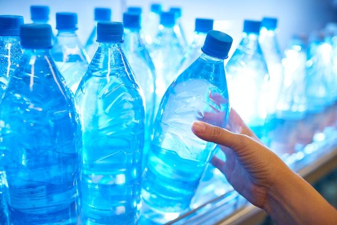 อย่าลืมตรวจสอบบรรจุภัณฑ์น้ำดื่มที่ได้มาตรฐาน