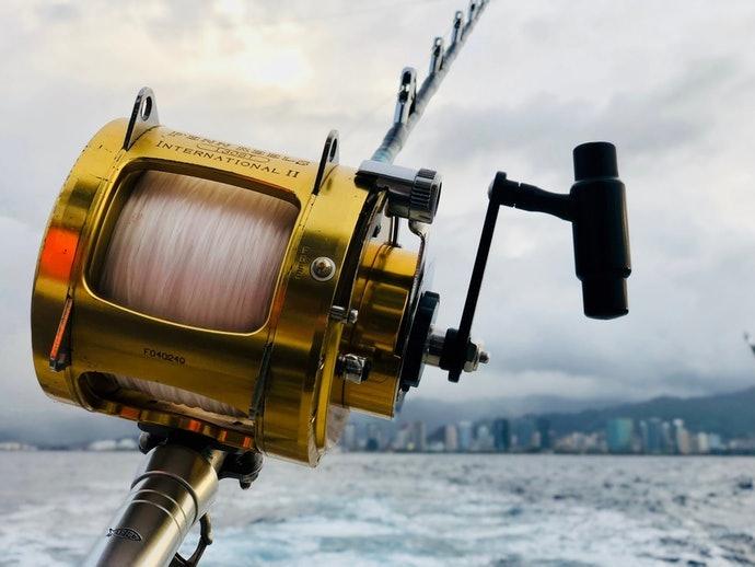 เอ็นตกปลาทำจาก Fluorocarbon : โปร่งแสง ทนทานสูง