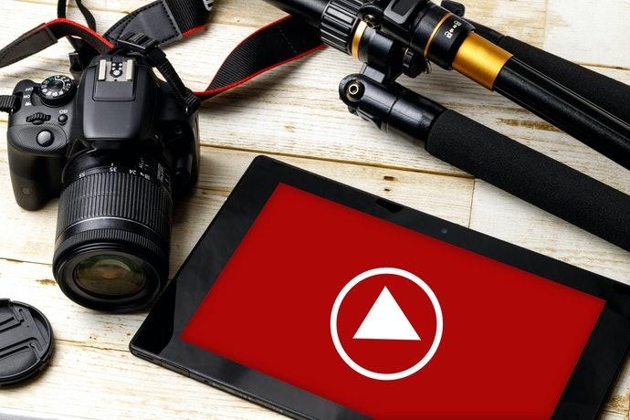 รุ่นที่มีระบบ Dual Pixel CMOS AF : เหมาะกับการถ่ายวิดีโอหรือภาพยนตร์