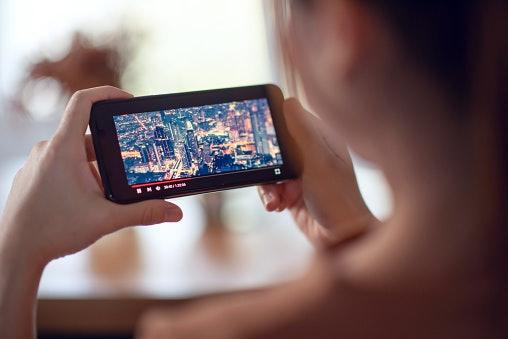 เลือกโทรศัพท์ Sony Xperia ที่มีจอแสดงแบบ OLED