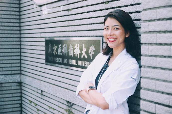 ผู้เชี่ยวชาญในการให้คำแนะนำการเลือกยาสีฟันสมุนไพร