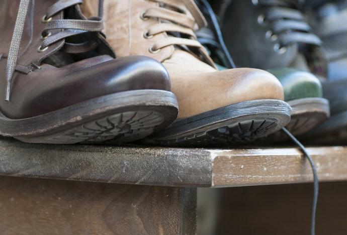 เลือกชั้นวางรองเท้า/ตู้เก็บรองเท้าที่ระบายอากาศได้ดี