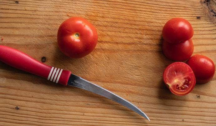 เลือกขนาดของมีดปอกผลไม้และด้ามจับที่ใช้งานได้ถนัด