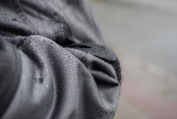 ตรวจสอบตามรอยต่อว่า น้ำฝนซึมผ่านได้หรือไม่