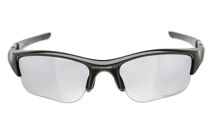 เลือกแว่นกันแดดที่ขนาดพอดี และไม่หลุดง่าย