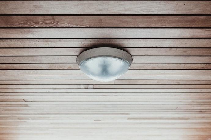 โคมไฟติดเพดาน : กลมกลืนไปกับการตกแต่งภายใน