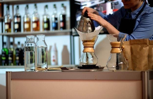 เลือกหนังสือเกี่ยวกับกาแฟที่มีเนื้อหาทันสมัย สำหรับคนที่ต้องการนำไปประกอบธุรกิจ