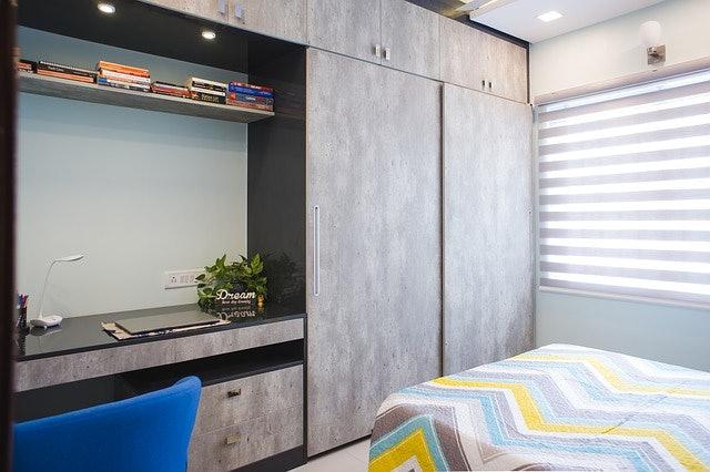 เลือกตู้เสื้อผ้าบานเลื่อนที่มีดีไซน์และขนาดเหมาะสมกับพื้นที่ในห้อง