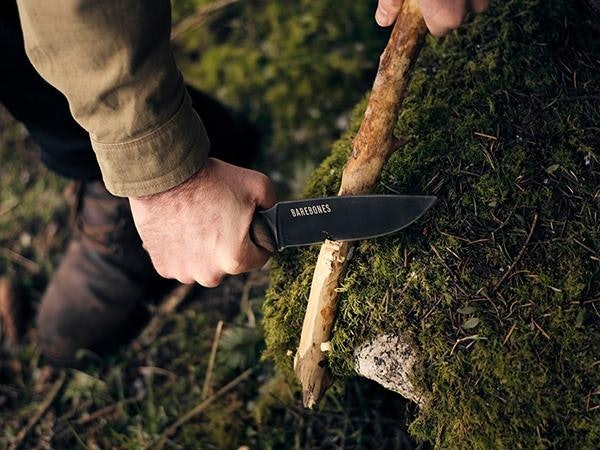 เลือกวัสดุของมีดเดินป่าที่แข็งแรงทนทาน คม ไม่เป็นสนิมง่าย