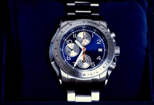 เลือก Dive Watches ที่มีฟังก์ชันจับเวลา สำหรับกิจกรรม Scuba Diving