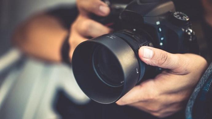 เลือกกล้อง Mirrorless ที่มีช่องมองภาพ เพื่อโครงสร้างรูปถ่ายที่ดีกว่า