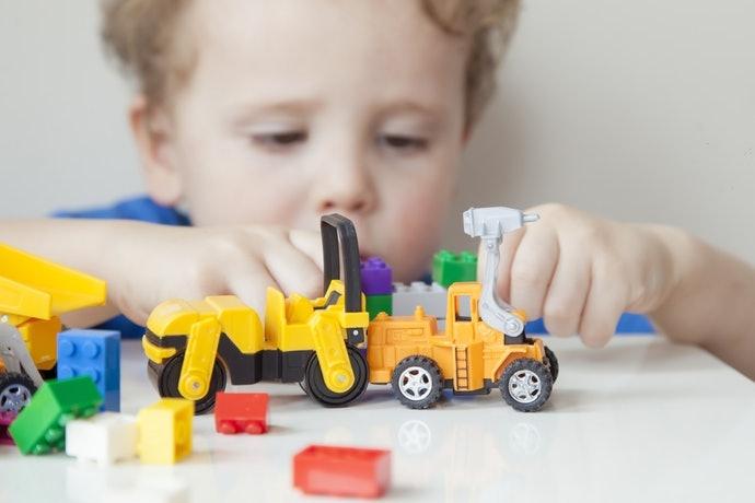 """เลือก """"LEGO Juniors"""" ที่มีขนาดกำลังดีให้เด็กวัย 3 - 5 ขวบ"""