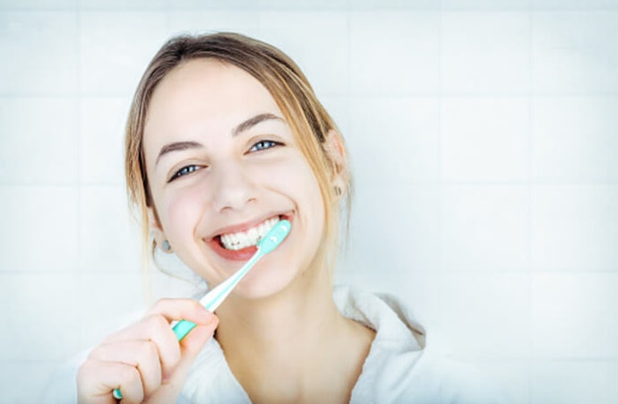 วิธีการแปรงฟันให้ขาวตามคำแนะนำของทันตแพทย์