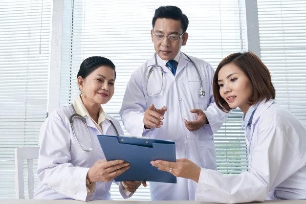 เลือกสถานที่ครอบแก้วที่มีใบอนุญาตรับรองทั้งของแพทย์และคลินิก