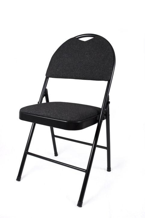 """""""เก้าอี้พับแบบอเนกประสงค์"""" : ใช้งานง่าย เหมาะกับการใช้เป็นเก้าอี้เสริม"""