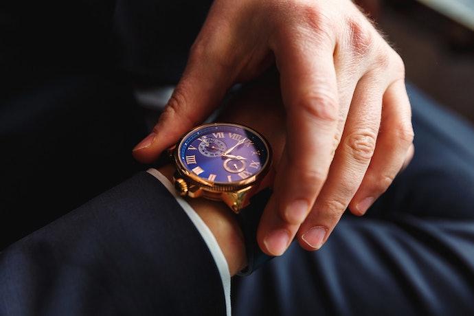 เลือกนาฬิกาที่มีรูปแบบหรือดีไซน์โดดเด่น