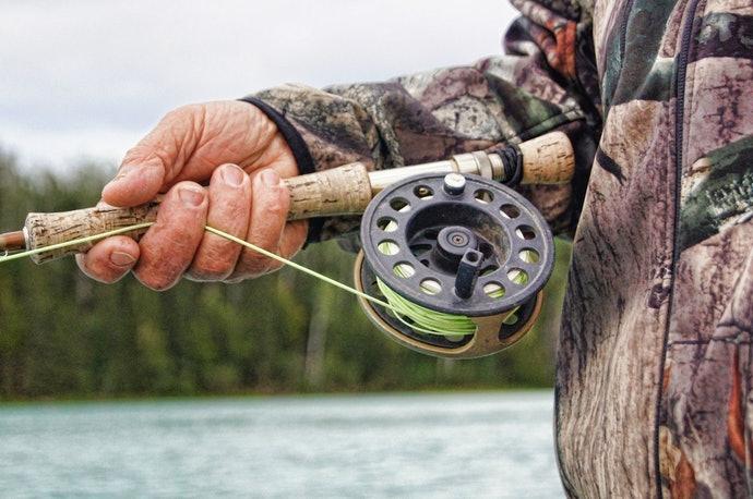 รอกแบบ Fly : ใช้ง่ายเหมาะกับผู้ที่ตกปลาเป็นงานอดิเรก