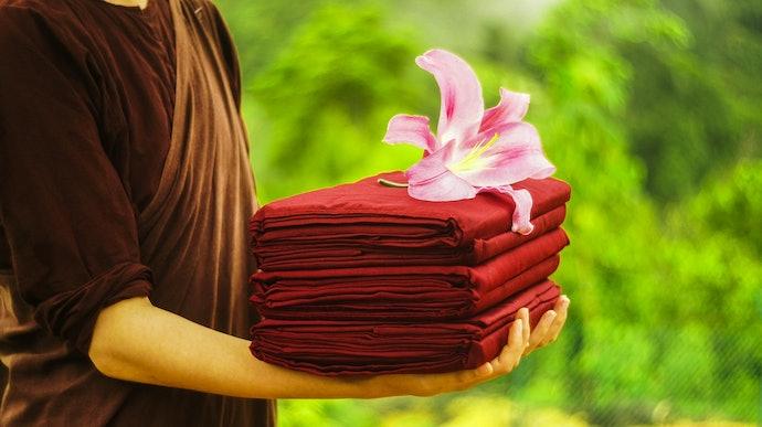 ชุดผ้าไตรจีวรประกอบด้วยอะไรบ้าง