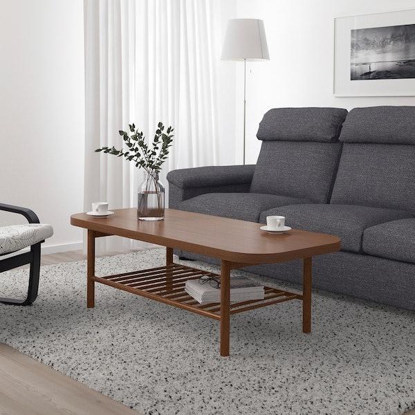 โต๊ะกลาง : ประดับตกแต่งก็ดูสวยงาม ใช้วางของที่หยิบจับบ่อยก็ดูดี