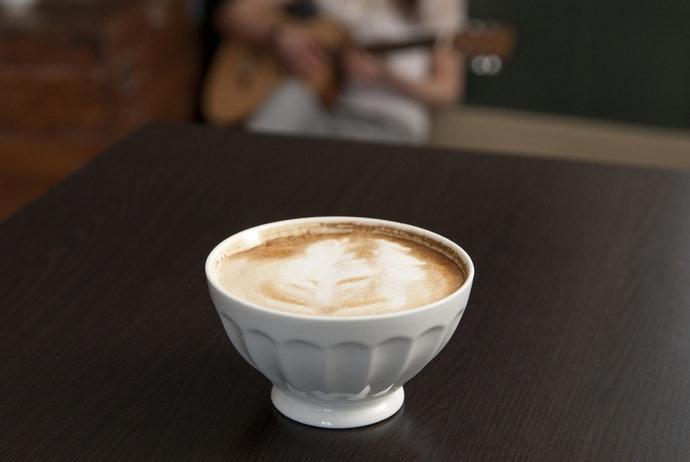 เลือกจากน้ำหนักของถ้วยกาแฟ