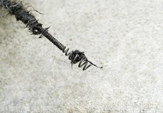 เลือกงูเหล็กทะลวงท่อตามวัสดุที่ใช้ทำลวด