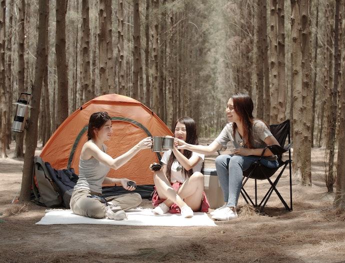 เก้าอี้สนามสำหรับใช้งานกลางแจ้ง เหมาะกับการเดินป่าหรือตั้งแคมป์