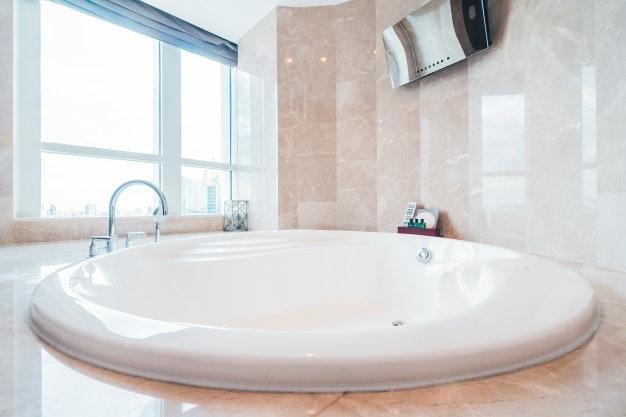 อ่างอาบน้ำแบบฝัง (Built-In Bathtubs)