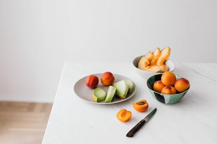 เลือกจากวัสดุของมีดปอกผลไม้