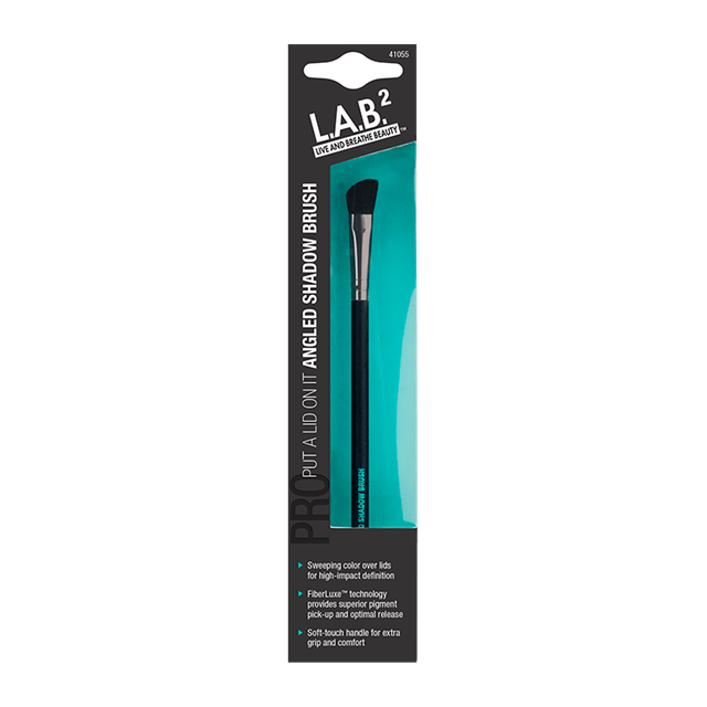 L.A.B.² Angled Eyeshadow Brush 1