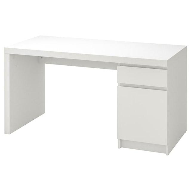 IKEA โต๊ะทำงาน รุ่น MALM  1