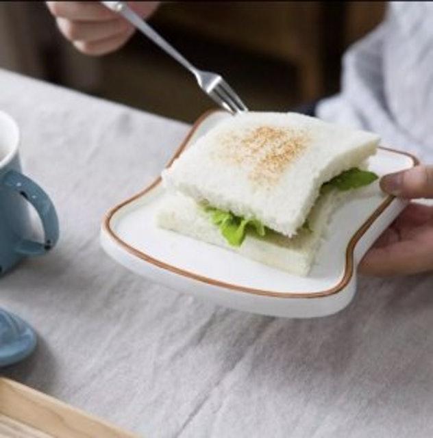 MONAZONE จานเซรามิกรูปทรงขนมปัง 1