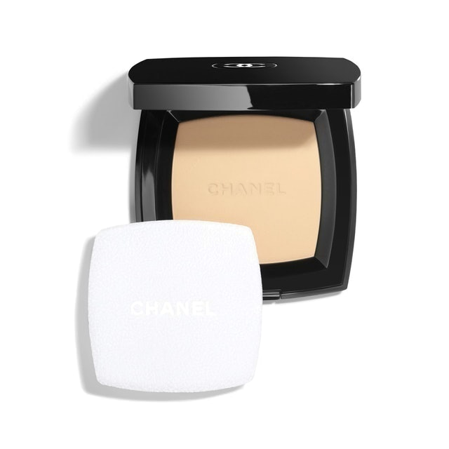 Chanel Poudre Universelle Compacte Natural Finish Pressed Powder 1