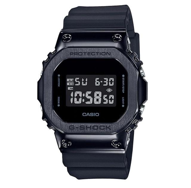Casio นาฬิกาข้อมือ รุ่น GM-5600B-1DR 1