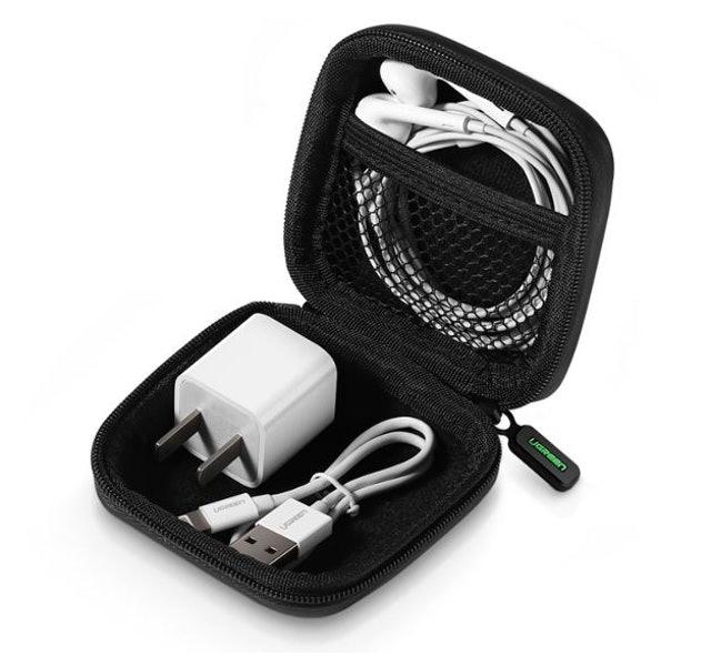 UGREEN  เคสเก็บหูฟัง, สายชาร์จ, หัวต่อ USB 1