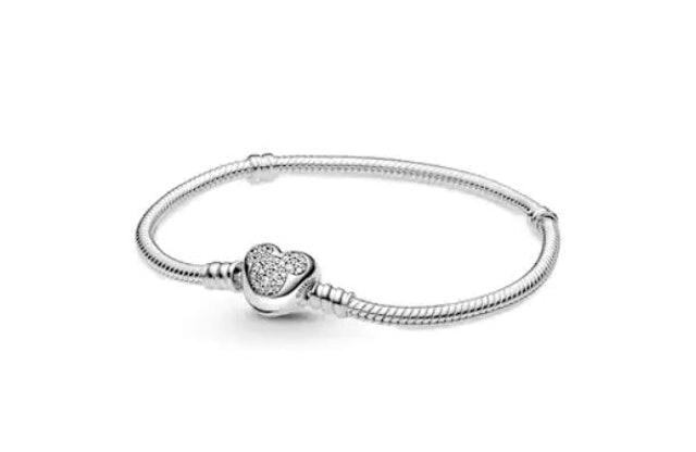 PANDORA กำไล PANDORA Silver Disney Pandora Moments Mickey Mouse Heart Clasp Snake Chain Bracelet 1
