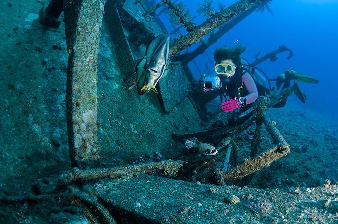 เลือกกล้องที่สามารถลงถ่ายในน้ำลึก 10 เมตรขึ้นไป