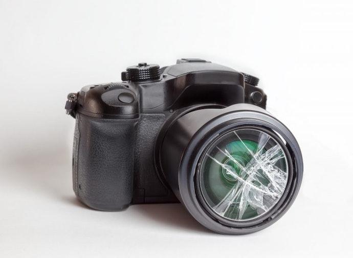ควรเลือกกล้องที่สามารถทนทานต่อแรงกระแทกได้