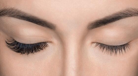 เลือกสูตรเพิ่มความยาวขนตา เพื่อดวงตาที่โดดเด่น
