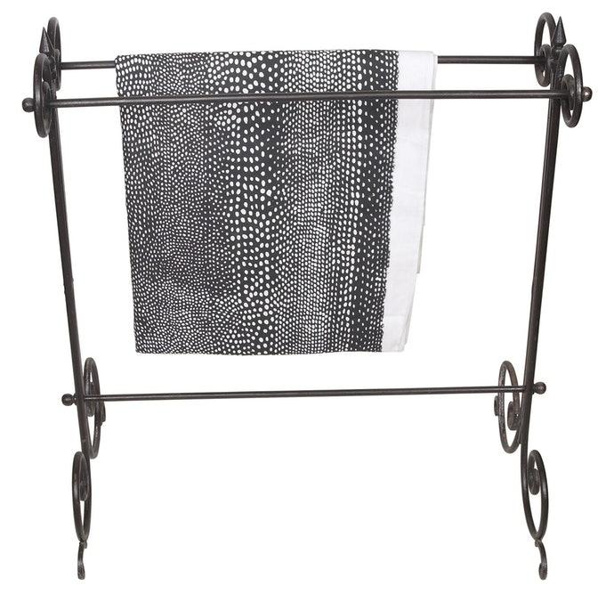 ราวแขวนชนิดตั้งพื้น เป็นรูปแบบที่นิยมใช้แขวนผ้าเช็ดตัวมากที่สุด