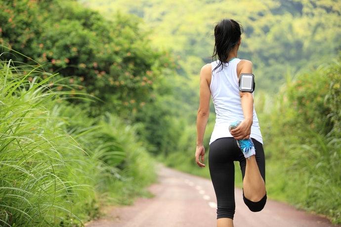 รุ่นที่น้ำหนักเบา รัดแขนได้มั่นคงแน่นหนา สำหรับวิ่งระยะอย่างจริงจัง