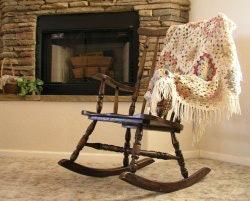 พิจารณาสถานที่ที่วางเก้าอี้โยก ควรเผื่อพื้นที่รอบ ๆ สัก 20 – 30 ซม.