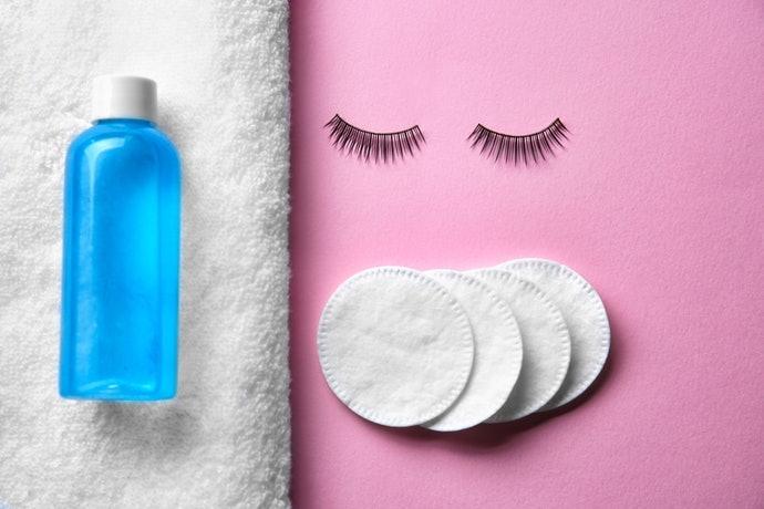 วิธีทำความสะอาดที่อ่อนโยนกับขนตา