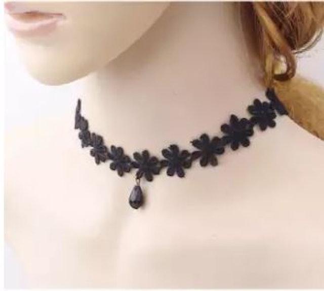 6. No Brand – Black Lace Collar Choker 1
