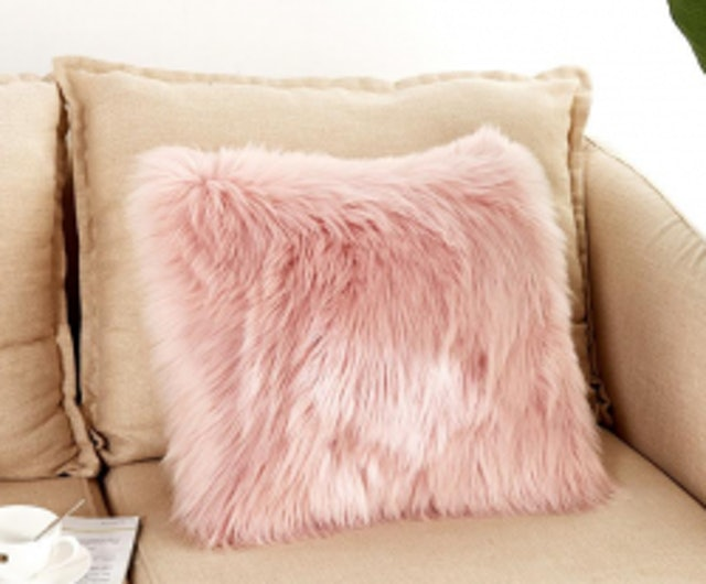 8. No brand – Soft Plush Faux Wool Fur Cushion Covers 1